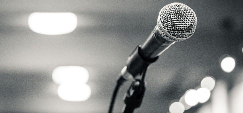 presentation-speech-1940x900_35890